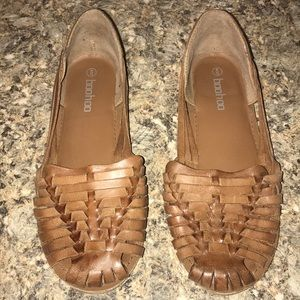 Tan weave sandals